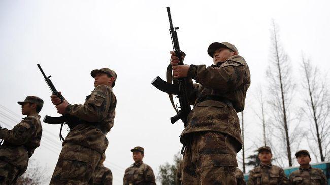 Tentara China yang ditempatkan di pos terdepan Himalaya menerima pasokan penting untuk menghadapi musim dingin ekstrem di tengah konfrontasi dengan India.