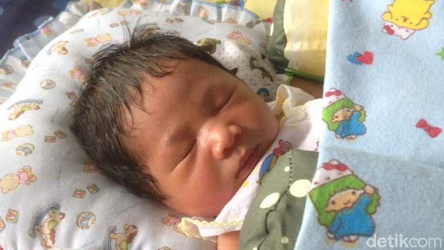 5 'Kata Orang' Soal Bayi Baru Lahir Ini Jangan Langsung Dipercaya Ya