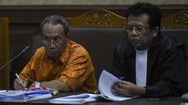 Terdakwa e-KTP Menangis Minta Maaf di Hadapan Hakim