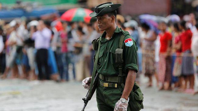 Myanmar membentuk komite untuk bahas reformasi konstitusi rancangan militer, langkah yang dianggap menunjukkan perlawanan terhadap tentara dalam pemerintahan.