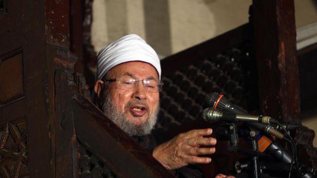 Yusuf Al-Qaradawi mengungkapkan kendati dalam perawatan medis karena Covid-19 tapi kondisi kesehatannya baik-baik saja. Dia pun meminta doa dari masyarakat.