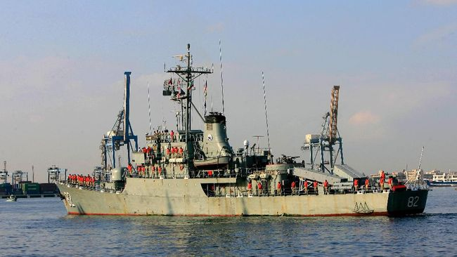 Angkatan Laut Iran kini memiliki senjata baru setelah mendapatkan dua kapal perang perusak dan penyapu ranjau.