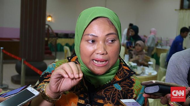 Merujuk survei ILO, Menaker Ida Fauziyah mengatakan produktivitas pekerja Indonesia masih kalah dibanding negara tetangga.