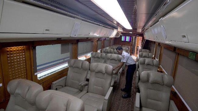 PT KAI menyatakan akan menyiapkan 13.980 kursi kereta wisata saat musim libur Natal 2019 dan Tahun Baru 2020.