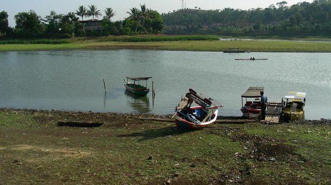 Legenda setempat mengatakan Situ Ciburuy merupakan peninggalan Prabu Siliwangi, sekaligus arena pertarungan para jawara di pulau Jawa.