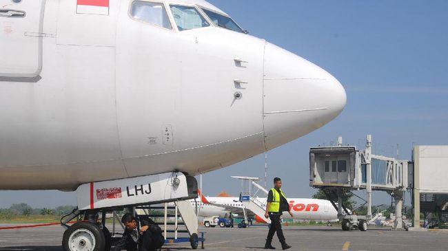 Hingga siang hari H-2 lebaran 2019, penumpang datang di Bandara Adi Soemarmo cuma 1.636 orang. Padahal, H-2 lebaran 2018 jumlahnya mencapai 7.511 orang.