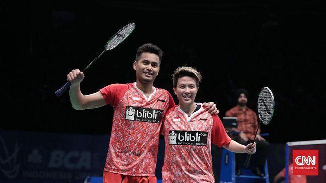 Ganda campuran Indonesia Tontowi/Liliyana juara Indonesia Terbuka 2017 setelah mengalahkan Zheng Siwei/Chen Qingchen dengan skor 22-20, 21-15.