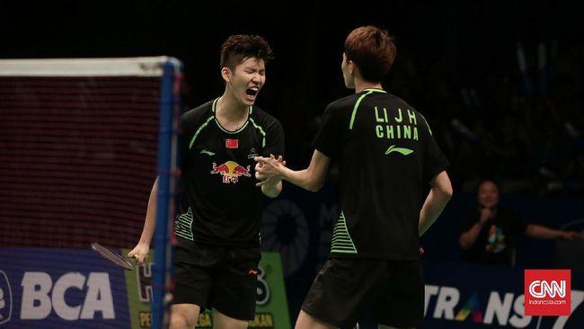 Ganda putra China, Li Junhui/Liu Yuchen sukses merebut juara Indonesia Terbuka setelah menaklukkan pasangan Denmark Mathias Boe/Carsten Mogensen di laga final.
