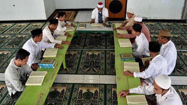 Hasil riset Setara Institute menyebut ceramah Felix Siauw lebih dipilih di forum-forum Islamis di 10 PTN ketimbang ceramah ahli tafsir Alquran Quraish Shihab.