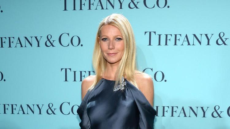 Anak Gwyneth Paltrow rupanya sempat menunjukkan kesedihannya ketika menerima kenyataan ibu dana ayahnya harus bercerai.