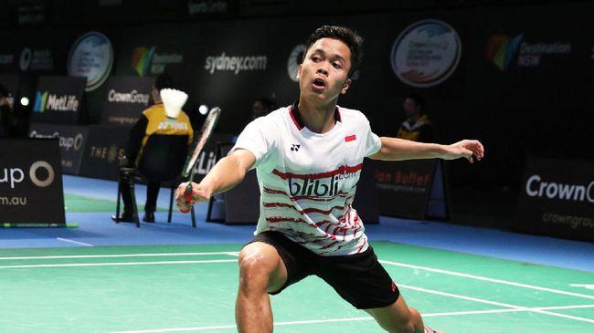 Anthony Sinisuka Ginting kalah dari tunggal putra China, Shi Yuqi, dan Indonesia tertinggal 0-1 di final beregu putra bulutangkis Asian Games 2018.