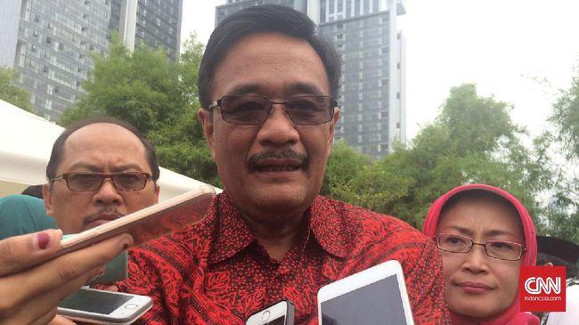 Gubernur DKI Jakarta Djarot Saiful Hidayat mengatakan rumah sakit yang bersikap diskriminatif soal pasien dapat terkena sanksi.