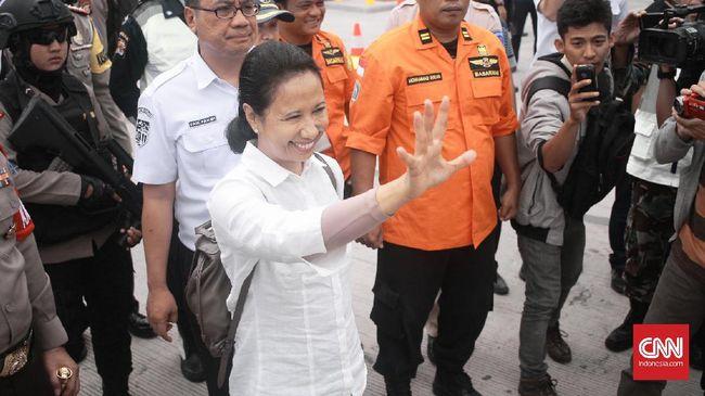 Polri menyatakan pihaknya tidak dapat mengusut pembocor rekaman percakapan Menteri BUMN Rini Soemarno dan Dirut PT PLN Sofyan Basir jika tidak ada laporan.