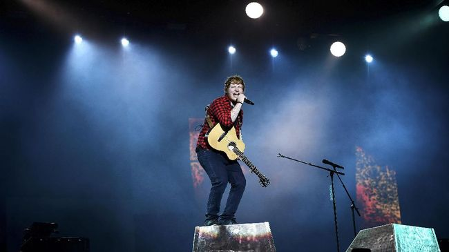 Ed Sheeran akan konser perdana di Gelora Bung Karno Jakarta, 3 Mei mendatang. Ada hal-hal yang perlu diketahui penggemar sebelum menonton.
