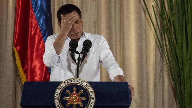 Puluhan kelompok dokter menyatakan bahwa Filipina telah kalah dalam pertarungan melawan virus corona.