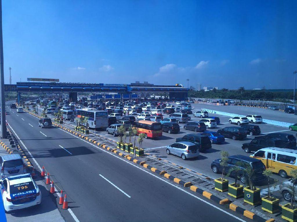 Arus Balik Lebaran, 298.000 Mobil ke Jakarta Lewat GT Cikarang Utama
