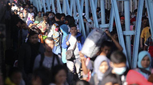 Wali Kota Bandar Lampung mewajibkan sertifikat vaksinasi bagi pendatang saat mudik Lebaran untuk mencegah penularan covid-19.