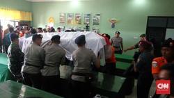 Basarnas Gelar Upacara Penyerahan Korban Heli di Semarang