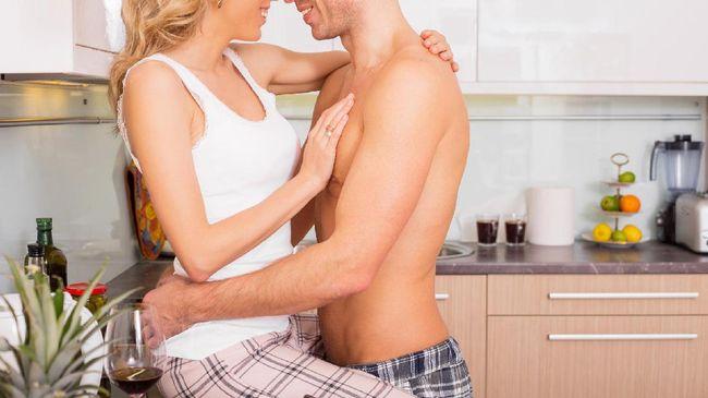 Tubuh yang bugar, pengalaman akan seks, serta obat yang membantu ereksi adalah beberapa hal yang dapat mempengaruhi gairah seks pada pria.
