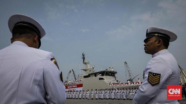 Kapal patroli baru TNI yang dilengkapi 2 radar, meriam 30 mm, dan diawaki 35 prajurit, akan memperkuat armada di Papua dan Sumut.
