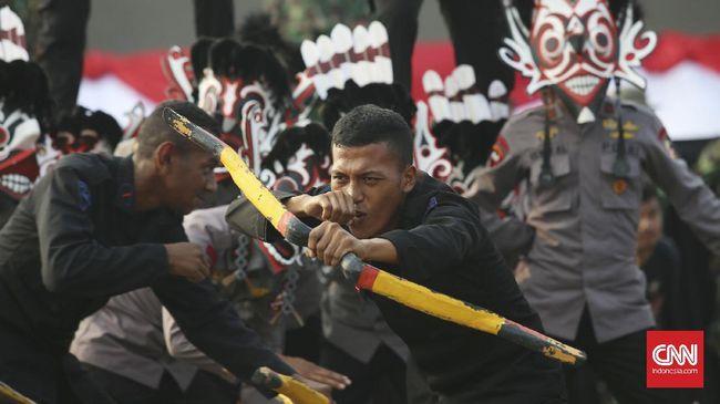 Satu kompi anggota Brimob yang tergabung dalam Brimob Nusantara asal Riau, tiba di Timika untuk membantu memperkuat pengamanan selama PON XX Papua.