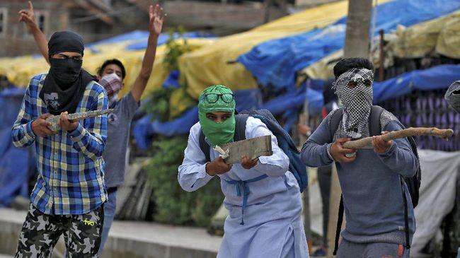 Pakistan merayu Indonesia, China, dan Polandia untuk menekan India di DK PBB soal keputusannya mencabut status daerah istimewa Kashmir.
