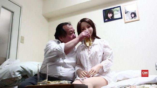 Pria Jepang Temukan Cinta Sejati Lewat Boneka Seks