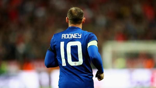 Rooney Pulang ke Everton