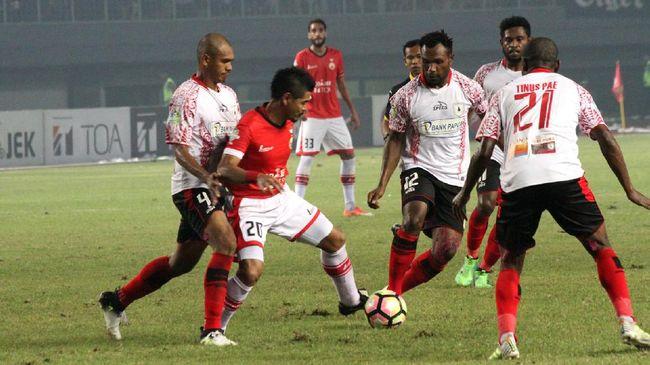 Pelatih Persipura Jayapura Peter Butler optimistis bisa membawa pulang tiga poin saat menghadapi Persija Jakarta di Stadion Pakansari, Bogor, Jumat (25/5).