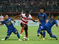 Fabiano Dua Gol, Madura United Kalahkan Persib 2-1