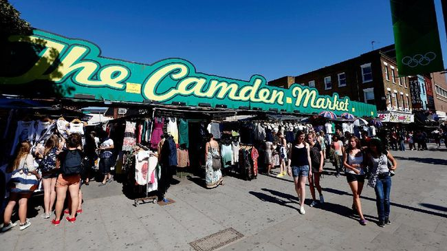 LONDON, ENGLAND - JULY 23: A general view of shopping at Camden Market ahead of the London 2012 Olympic Games on July 23, 2012 in London, England.   Streeter Lecka/Getty Images/AFP