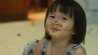 <p>Meski dicorat-coret, Kala tetap manis ya Bun. (Foto: Instagram kalamadali)</p>