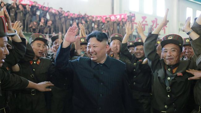 Kim Jong-un disambut meriah ketika menghadiri konser musik untuk merayakan kesuksesan peluncuran rudal balistik antarbenua (ICBM) pada akhir pekan lalu.