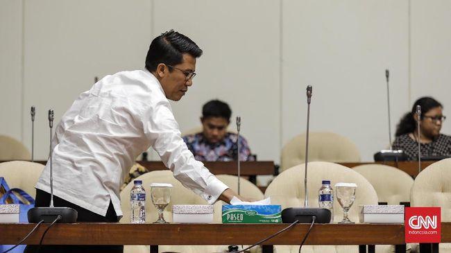 Komisi XI meminta pemerintah tak perlu ragu membentuk Holding BUMN Ultra Mikro terdiri dari PT BRI, PT Pegadaian, dan PT PMN karena aturan hukum sudah memadai.