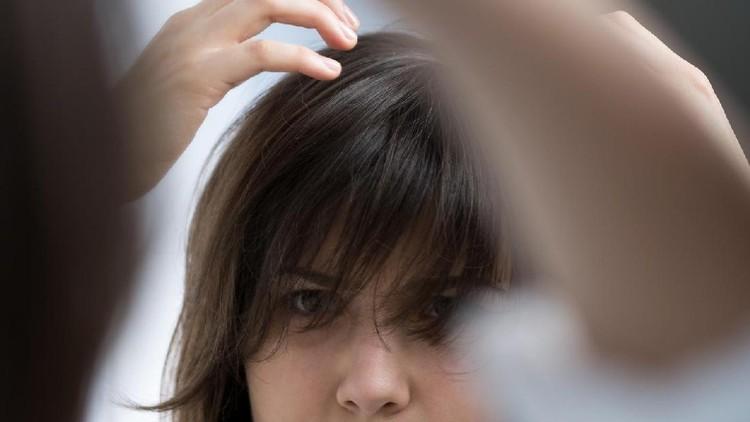Untuk membuat rambut tetap sehat selama hamil, ada 10 tips mudah yang bisa dicoba di rumah nih, Bun.