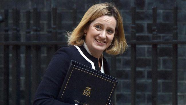 Menteri Dalam Negeri Inggris Mundur