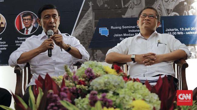Menteri Komunikasi dan Informatika Rudiantara menyebutkan bahwa formulasi batas tarif internet akan dikeluarkan dalam waktu 3-4 bulan ke depan.