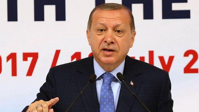 Warga Turki mendukung tindakan Presiden Recep Tayyip Erdogan yang berusaha menstabilkan krisis ekonomi.