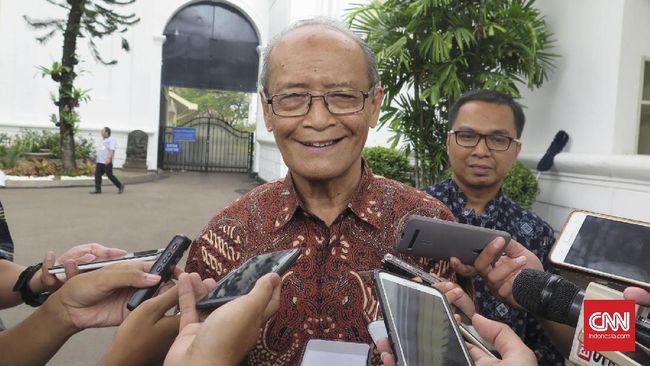 Buya Syafii Maarif berharap Joko Widodo mempertimbangkan kader Muhammadiyah untuk mengisi jabatan menteri di bidang pendidikan, sosial atau kesehatan.