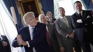 Trump Diejek Rakyat Saat Nonton Pertandingan Bisbol