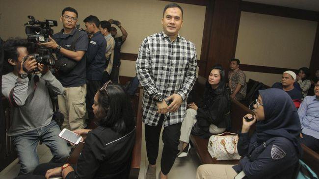 Saipul Jamil terbukti menyuap panitera pengganti Pengadilan Negeri Jakarta Utara sebesar Rp250 juta untuk meringankan vonis dugaan perkara pencabulan.
