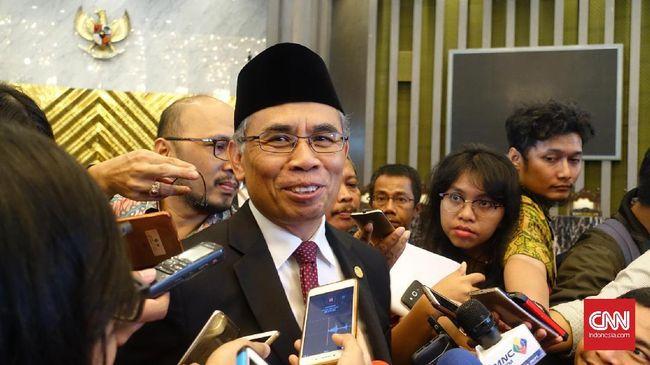 Ketua DK OJK Wimboh Santoso mengungkapkan siswa SMP diwajibkan memiliki tabungan bank untuk meningkatkan literasi dan inklusi keuangan di Indonesia.