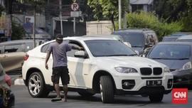 Polisi Sebut Juru Parkir Liar Termasuk Pungli, Buka Opsi Bina