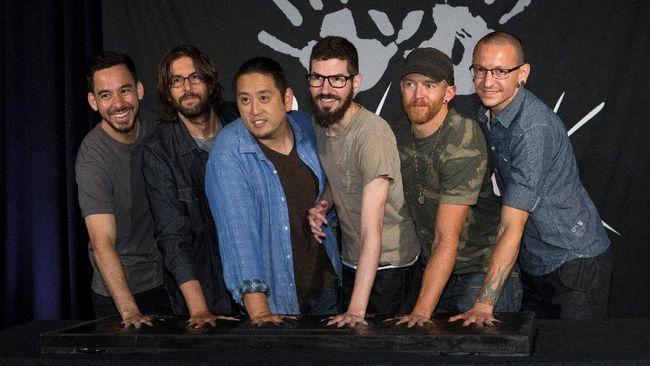 Linkin Park menjadwalkan konser reuni pada 27 Oktober mendatang. Itu penampilan perdana mereka tanpa sang vokalis Chester Bennington.
