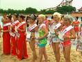Kakek-Nenek Pamer Tubuh di Kontes Bikini di China
