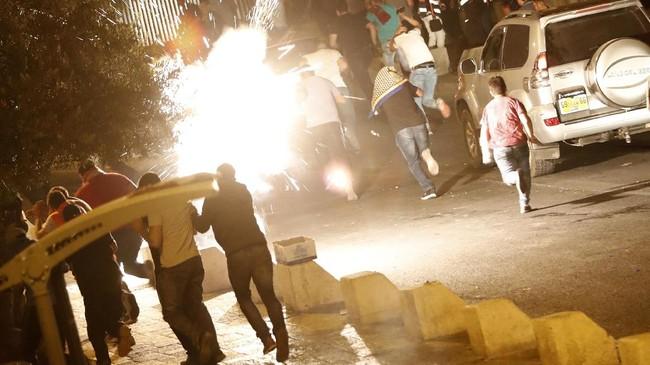 Konflik berdarah di Yerusalem terus berlanjut. Delapan nyawa melayang dalam bentrokan di akhir pekan yang membuat komunitas internasional serukan deeskalasi.