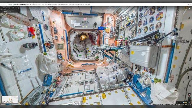 Astronaut yang tinggal di ISS menunjukkan cara mereka buang air di luar angkasa lewat vlog dan ditayangkan di youtube NASA.