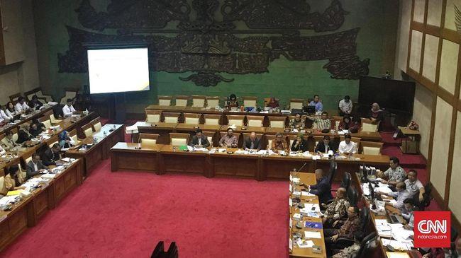 Komisi XI DPR RI dan pemerintah menyepakati asumsi dasar makroekonomi yang menjadi pertimbangan penyusunan RAPBN 2022.