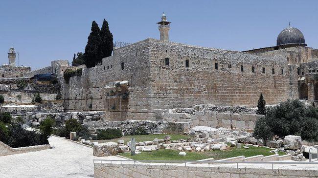 Pemerintah Palestina murka karena tentara Israel memasang jaringan pengeras suara di Masjid Al-Aqsa yang dinilai bisa mengganggu ibadah.