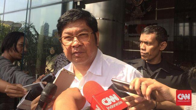 KPK memeriksa Menteri BUMN era Mega, Laksamana Sukardi untuk memperkuat bukti keterlibatan tersangka Sjamsul Nursalim dalam kasus BLBI.